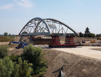 Bomporto, si monta nuovo ponte sul Panaro