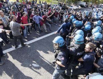 Apre Casapound, scontri nel centro di Piacenza