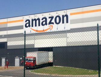Amazon infila il braccialetto ai dipendenti