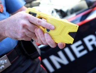 Reggio, primo utilizzo del Taser. Salvini: bravi