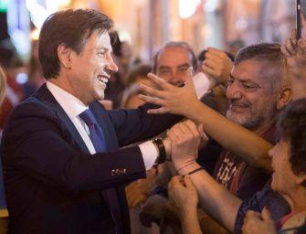 Il premier Conte a Bologna con i volontari della Protezione civile