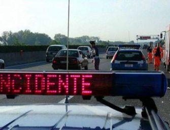 A1, traffico e incidenti: rallentamenti tra Parma e Reggio
