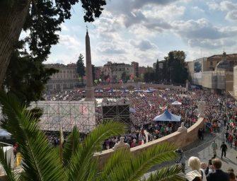 Il Pd in piazza del Popolo, i militanti: vogliamo unità