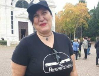 """Museo di Auschwitz querela neofascista con t-shirt """"Auschwitzland"""""""