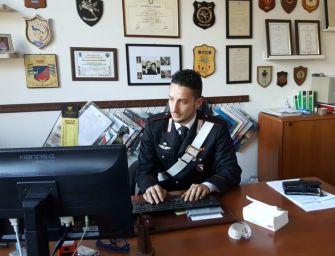 Clandestino trova un portafogli in strada e lo consegna ai carabinieri