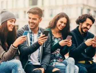 Censis, il 78% degli italiani sul web