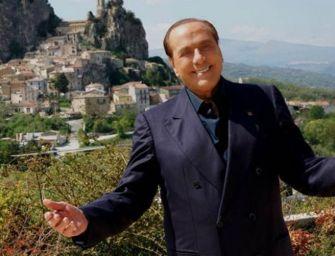 Berlusconi: mi candido alle Europee per senso di responsabilità. I 5s sono degli incompetenti
