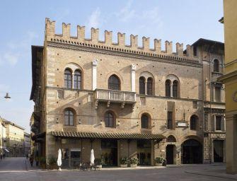 Reggio. Hotel Posta, la gestione alberghiera compie 100 anni