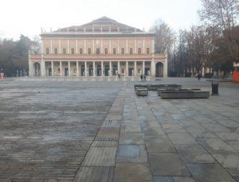 Il degrado in centro e il bivacco ai Teatri