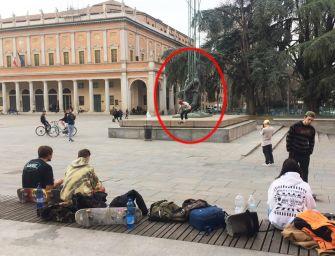 Salati se la prende con gli skateboard: incivili che scorrazzano sui monumenti
