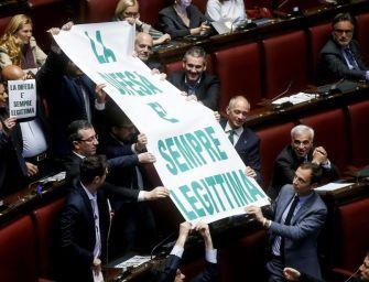 Legittima difesa passa alla Camera, strappo 5s: in 25 non votano