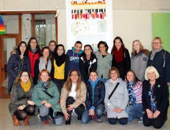 """Alla scuola """"Campi Soncini"""" di Reggio (75 bambini di 18 nazionalità) il progetto europeo Erasmus+"""