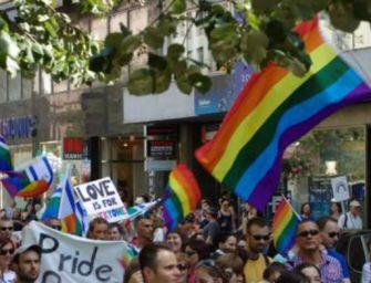 Sabato Gay Pride a Modena. Ministro coi 'riparatori'