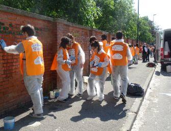 Reggio. Corso teorico e pratico per rimuovere i graffiti dal Chierici