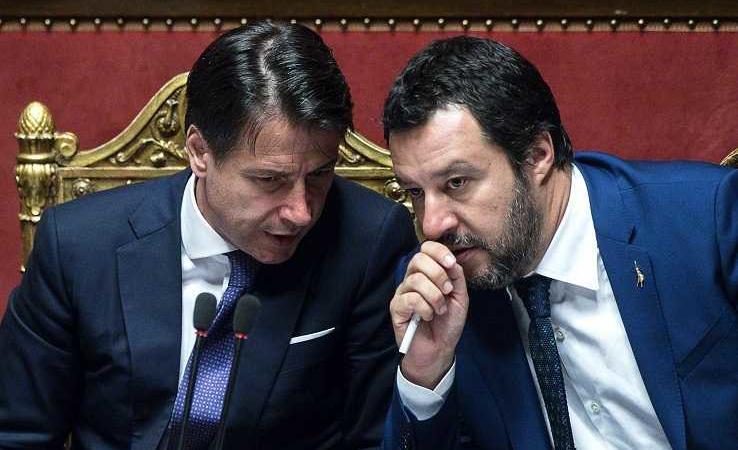 """Matteo Salvini contro Giuseppe Conte: """"Non vorrei che Conte avesse venduto la nostra sovranità"""""""