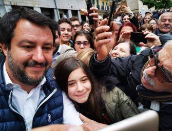 Capo della Lega a Carpi: selfie e contestazione