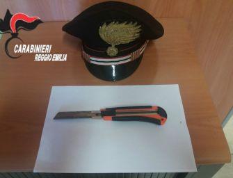 Cavriago: fugge all'alt, semina il panico in strada e aggredisce carabiniere