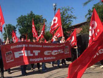 Correggio, 15 esuberi alla RexNord: sciopero con presidio