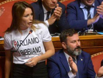 Borgonzoni e la t-shirt 'Parliamo di Bibbiano'