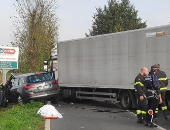 Modena. Scontro tra auto e camion: un morto e pesanti ripercussioni sul traffico