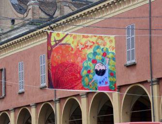 Reggio, in mostra 100 bandiere per i diritti dell'infanzia nelle vie della città