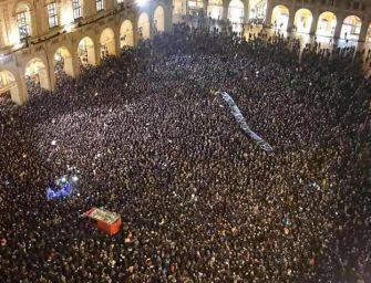 Piazza Maggiore, 13mila no alla Lega