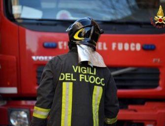 Auto in fiamme a Villanova di Reggiolo, non si esclude la pista del dolo