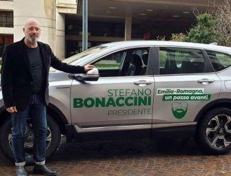 Aperto il comitato di Bonaccini a Borgo Panigale. Continua il tour del presidente