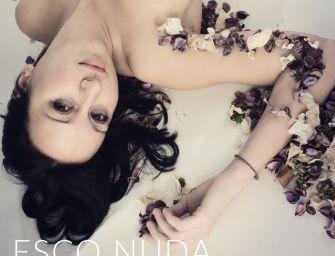 """""""Esco nuda"""", il candido grido di disaccordo di Cecilia Quadrenni"""