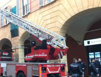 Incendio in centro a Bologna: 1 morto