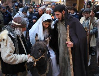Torna in piazza San Prospero a Reggio Emilia il presepe vivente