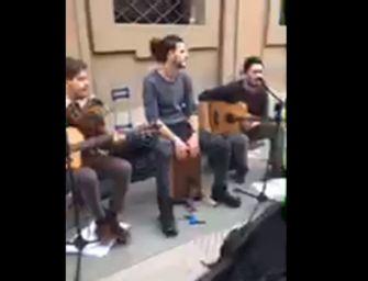 Video-music-Reggio 24emilia. Manuel Setti live in via Crispi