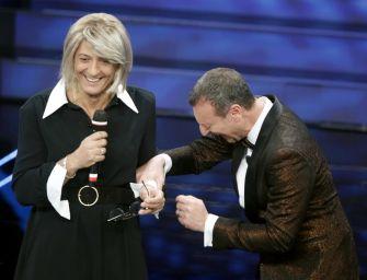 Sanremo. Fiorello vestito da Maria De Filippi, show di Zucchero