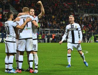 Calcio, anche il Parma si riduce gli ingaggi: ok dei giocatori al taglio di una mensilità