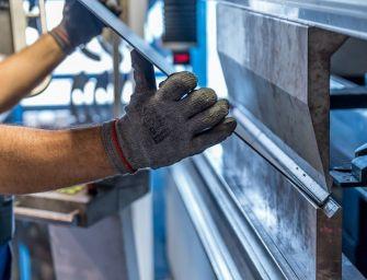 """I sindacati dei metalmeccanici: """"Assicurare ai lavoratori adeguati livelli di protezione oppure sciopero"""""""
