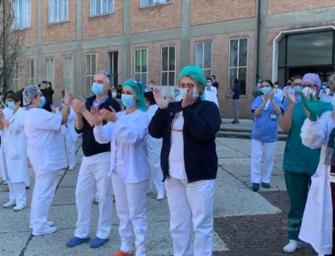 Reggio-Coronavirus (video). Al Santa Maria il grazie a medici e personale sanitario