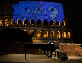 """50esima Giornata mondiale della terra. Dal Colosseo Zucchero """"Canta la vita"""""""