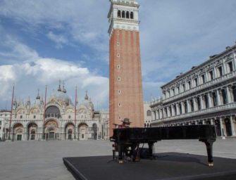 """(Video) """"Amore adesso"""", Zucchero in una deserta Venezia"""