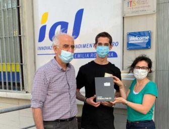 Allievo Ial Modena progetta e realizza mascherina anti Covid