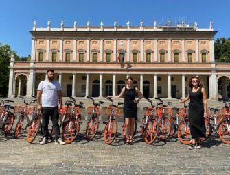 """A Reggio altre 100 nuove Mobike """"leggere"""": in tre anni saliti a 22mila gli iscritti al servizio"""