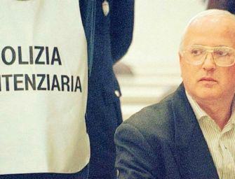Il boss Raffaele Cutolo trasferito in ospedale a Parma per problemi respiratori