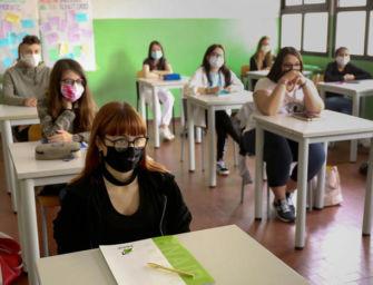 Scuola, incontro Regione-sindacati sulla riapertura: test sierologici, spazi adeguati e bus gratuiti per under 14