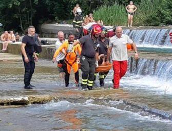 Marzabotto, ragazzo di 16 anni bloccato nel fiume Reno salvato dai vigili del fuoco