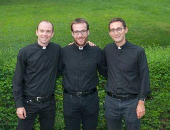 Reggio. In cattedrale il vescovo ordina 3 sacerdoti e 3 diaconi