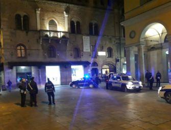 Sparatoria in piazza a Reggio, la procura chiede il carcere per il 43enne arrestato