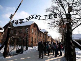 """La Regione in memoria della Shoah: """"Auschwitz-Birkenau. 1940-1945. Campo di concentramento e centro di messa a morte"""""""
