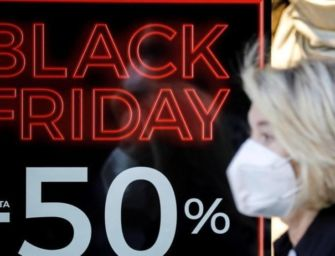 Black Friday, parte la caccia agli sconti