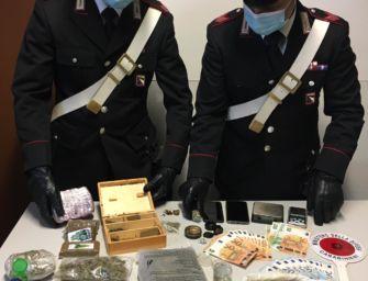 Casalgrande. Arrestato un ragazzo di 25 anni: in casa aveva un chilo e mezzo tra hascisc e marijuana