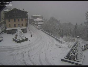 Cade copiosa la neve in Appennino