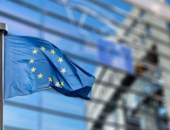 UE-Pfizer: altre 300 milioni di dosi di vaccino